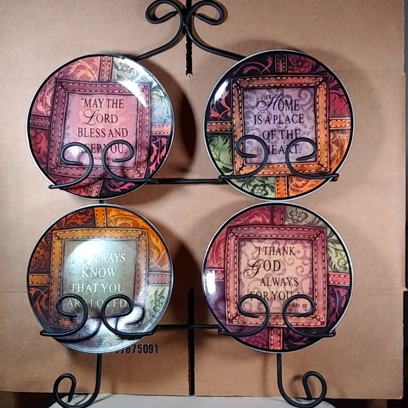 Wow! Set of 4 inspired plated and hanger